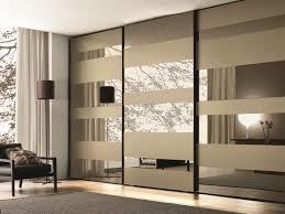 Interior Roll Up Closet Doors by Best 25 Mirrored Sliding Closet Doors Ideas On Pinterest