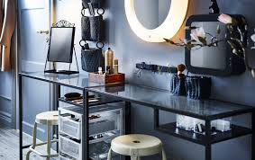 hair and makeup station make a hallway grooming station