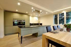 cuisine avec ilot central et coin repas supérieur cuisine en longueur ouverte 13 cuisine avec ilot