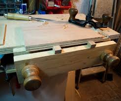 Woodworking Bench Vise by Best 25 Woodworking Vice Ideas On Pinterest Metric Table