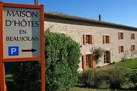 beaujolais chambre d hotes maison d hôtes en beaujolais chambres et suite familiale villié