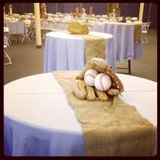 Centerpieces For Family Reunions Table by Best 25 Banquet Table Decorations Ideas On Pinterest Banquet