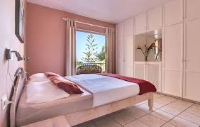 Schlafzimmerm El Berlin Ferienwohnung Granada Mieten Modern Großzügig Und Meerblick