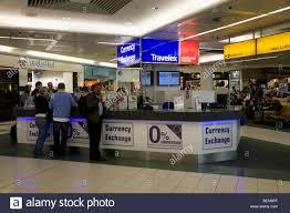 bureau de change 95 bureau de change office operated by travelex at gatwick airport