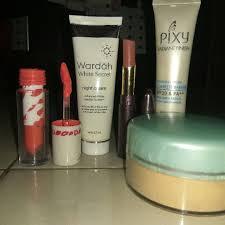 Wardah Krim Malam Dan Siang bedak krim siang pixy krim malam wardah dan lipstik kesehatan