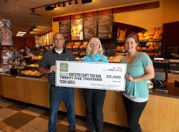 panera bread thanksgiving hours panera bread franchisee helps food bank worcester county food bank