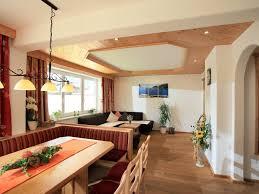 Wohnzimmer Quadratisch Grundriss Funvit Com Anthrazit Farbe Mit Braun Farbe Wohnzimmer