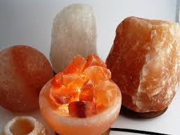 himalayan salt alyssa u0027o u0027 alyssa product review himalayan salt lamp