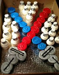 wars cupcakes wars lightsaber and stormtrooper cupcakes i drew the faces