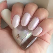 hm nail colour in december dawn swatch