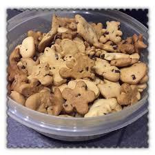 emporte cuisine biscuits à l emporte pièce avec ses pépites de chocolat laurette