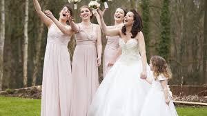 robe temoin de mariage invité témoin robe de cocktail pour mariage l express styles