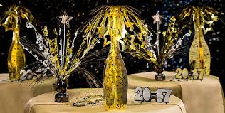 New Years Eve Decorating Tips by Black Gold U0026 Silver New Year U0027s Eve Decorations Party City