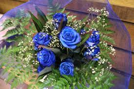 blue roses delivery bouquet blue roses 12 stems flowers of bethlehem