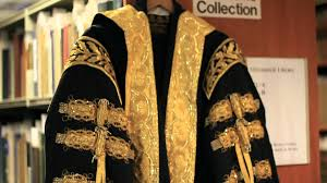 academic robes history of the graduation gowns