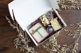 wedding welcome boxes tips and tricks for putting together wedding welcome boxes beau