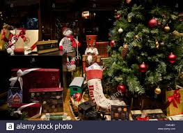 Christmas Window Decorations Canada by Christmas Tree In Store Window Stock Photos U0026 Christmas Tree In