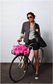 cycle chic dress for the destination