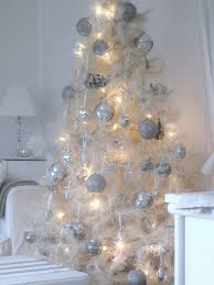 White Christmas Tree Decoration Ideas by 51 Exquisite Totally White Vintage Christmas Ideas Digsdigs