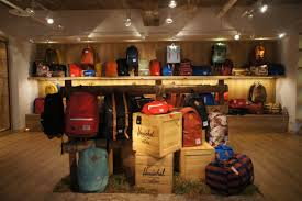 objet vintage americain herschel supply co display at dstrt tw showroom herschel supply