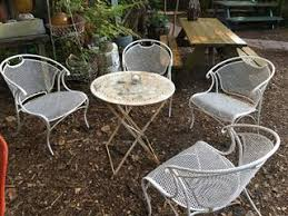 how to reupholster outdoor furniture