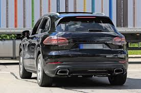 Porsche Macan Facelift - 2018 porsche cayenne first official pic shows macan influence