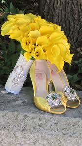 awesome looking flowers decorating ideas awesome picture of white and yellow wedding