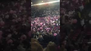 manchester arena u0027explosions u0027 two loud bangs heard at ariana