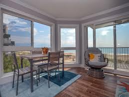 Livingroom Realty by Silver Sands 202s 78810 U2022 Vantage Resort Realty