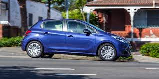 peugeot 208 2016 volkswagen polo v peugeot 208 comparison review technology