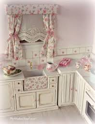 1693 best dollhouses and miniatures images on pinterest