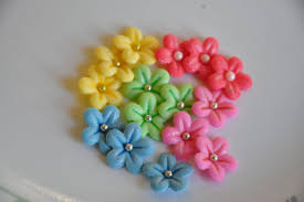 edible cake decorations 31 beautiful flower cupcake toppers cupcakes gallery