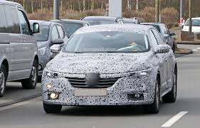 renault sedan 2016 all new renault laguna flagship sedan spied for the first time