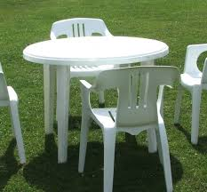 Garden Table Decor Home Design Attractive Round Plastic Outdoor Tables 33 Awesome
