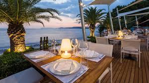 7 palms restaurant méridien lav split