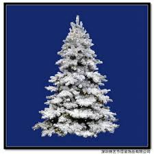 tips for decorating a white flocked tree