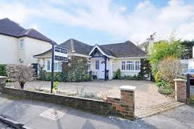2 bedroom detached bungalow for sale in west molesey