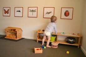 chambre montessori chambre bébé espace activités dans une chambre bébé méthode