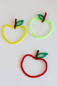 diy apple shaped pipe cleaners