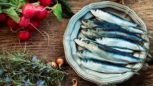 pesci alimentazione pesce azzurro propriet罌 e ricette nestl罠 buona la vita