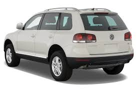 suv volkswagen 2010 volkswagen touareg 2 reviews research new u0026 used models motor trend