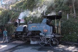land rover darjeeling tea time in darjeeling u2013 a cycle tour in the indian himalayas we