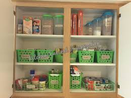 kitchen cabinet organization food storage كيفية تنظيم خزانات