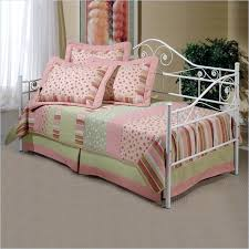 Daybed With Pop Up Trundle Bedroom Fancy White Daybed With Pop Up Trundle Bed Bedroom White