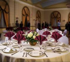 Table Runners For Round Tables How To Choose The Correct Size Tablecloth For Your Table