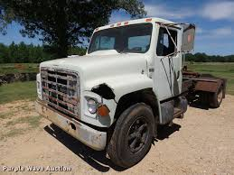 1987 International S1700 Semi Truck Item De9620 Sold Ju