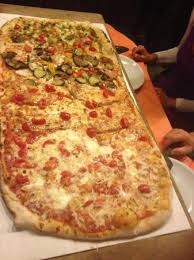 pizzeria il gabbiano pizza al metro foto di metropizzeria gabbiano rosso san teodoro
