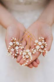pearl hair accessories best 25 pearl hair pins ideas on diy pearl hair