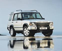 land rover discovery 3 off road land rover discovery station wagon review 1998 2004 parkers