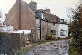 Cottages Isle Of Wight by Isle Of Wight Brickie On Benefits Conned His Way From A Derelict